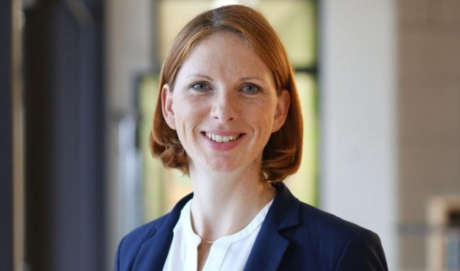 Vera Klopprogge ist neue Leiterin Unternehmenskommunikation der Frankfurt School
